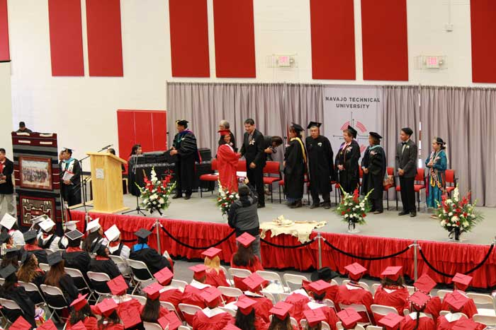 navajo-tech-fall-2017-graduation